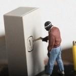 金庫を磁石であっという間に開けてしまう衝撃の動画