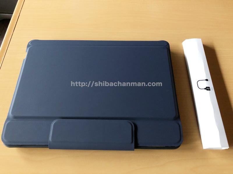 iPad Pro 9.7 ELTDワイヤレスキーボードケース 付属品